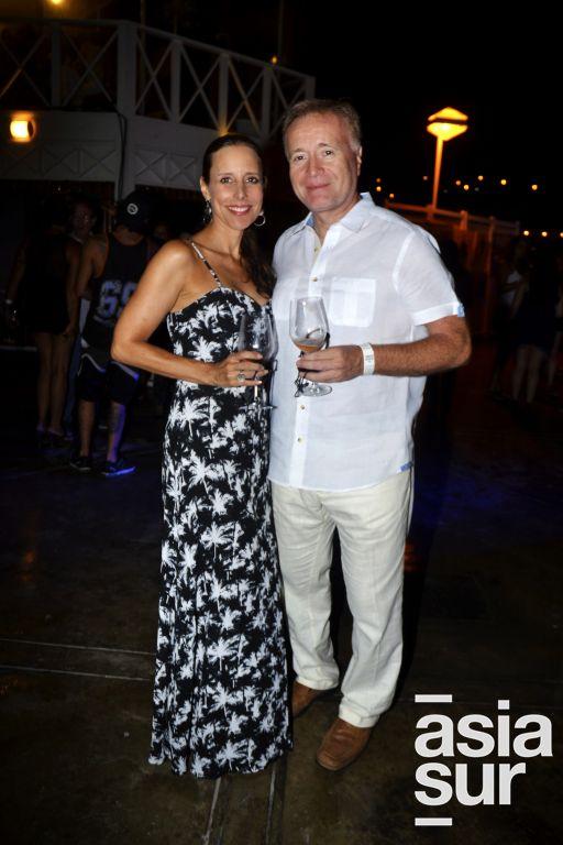 Ursula Galdos y Raimundo Flores.