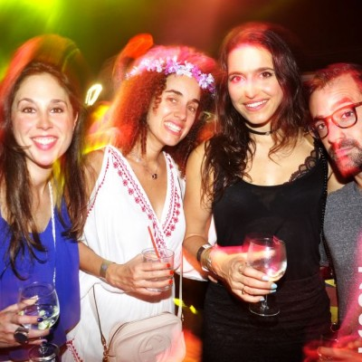 Verónica Socarrás, Carolina Martínez, Chiara Mecozzi García y Gian Martínez en Nikita, Boulevard de Asia.