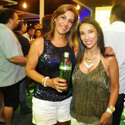 Yoli Tapia y Kathy Dulanto.