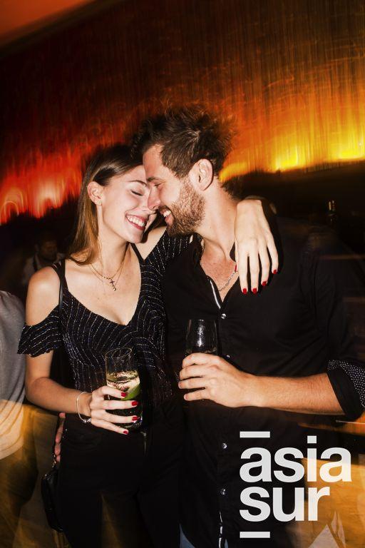 Ana Escalera y Mathias Wilhelmi en el cumpleaños de Oscar Chang en Quincha, Costa Verde.