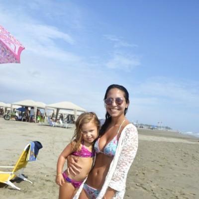 Cristina Rubio y Victoria Haaker en Playa Blanca.