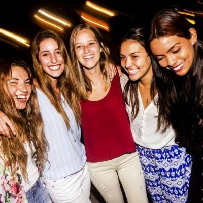 Fatima Lozada, Valeria Trabucco, Molly Claux , Carolina Ventura y Valeria Hooker en el After Office de la marca Keralia y Kiya en el Sonesta.