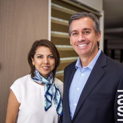 Faviola Flores y  Carlos Castro.