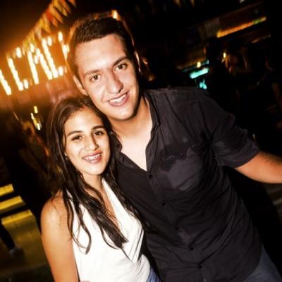 Fiorella Goicochea y Fernando Aparicio en la Cachina Bar, Boulevard de Asia.