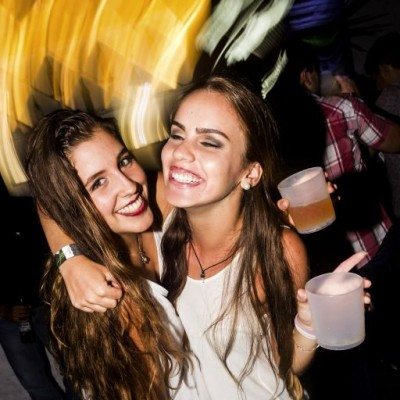 Francesca de Marzo y Melissa de Marzo en Joia, Boulevard de Asia.