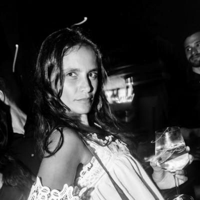Giuliana Weston en el cumpleaños de Oscar Chang en Quincha, Costa Verde.