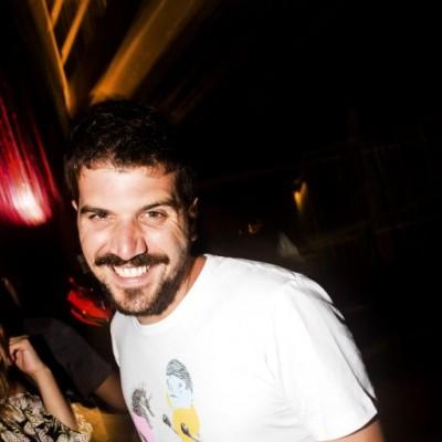 Jose Pelaez en el cumpleaños de Oscar Chang en Quincha, Costa Verde.