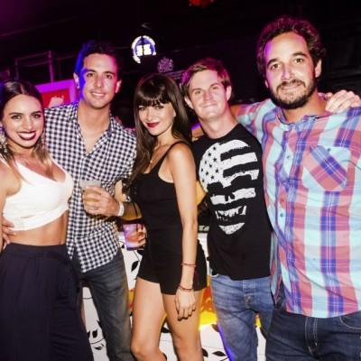 Luciana Leon-Barandiaran, Eduardo Airaldi, Daniela Pereira, Alessio Corno y Mateo Chavez-Taffur en Nikita, Boulevard de Asia.