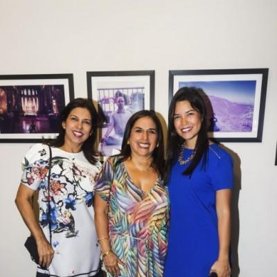Martha de Gamero, Liliana Krishna y Paola Gamero.