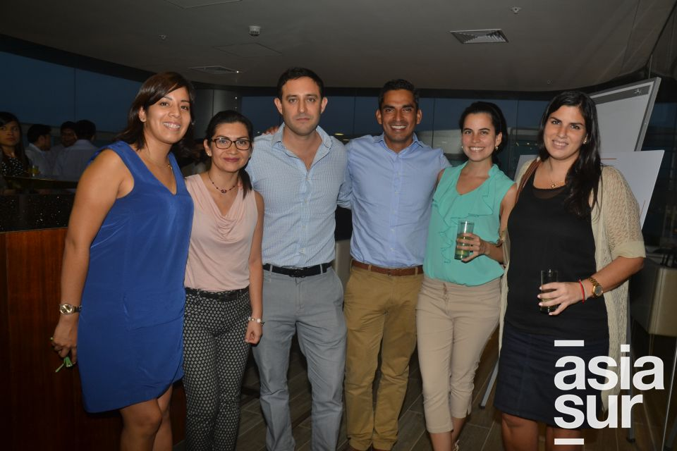 Melissa Nuñez, Rose Marie Principe, Jorge Ruiz, Ricardo Cortez, Aizel Osterling y Alexandra López- Vecino.