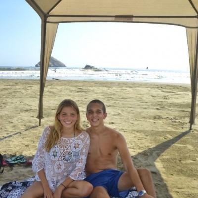 Micaela Vallejo y Dirk Bornhorst en Playa Blanca.