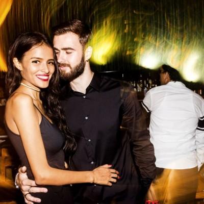 Molly Tuesta y Rostisñav Skulbeda en el cumpleaños de Oscar Chang en Quincha, Costa Verde.
