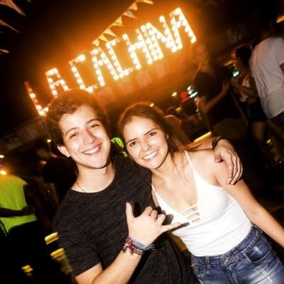 Nicolas Portilla y Carina Ortiz en la Cachina Bar, Boulevard de Asia.