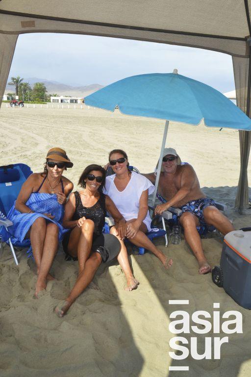 Rossana Maggi, Marines Conroy, Susie y Maria Maggi en Playa Blanca.