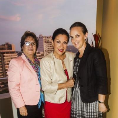 Yolanda Laumer, Isabel Arias y Alexandra Laverdure.