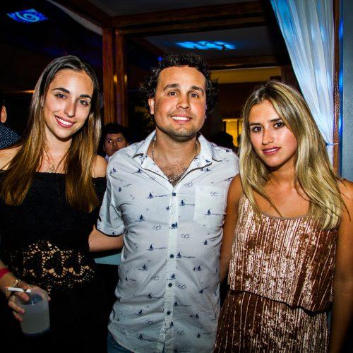 María Fernanda Ríos, Daniel Hernandez e Inés Aguirre en Café del Mar